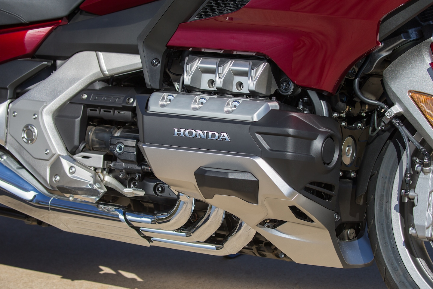 HONDA GOLD WING 2018 REVIEW – ON SHINY WINGS - RISER | Biker