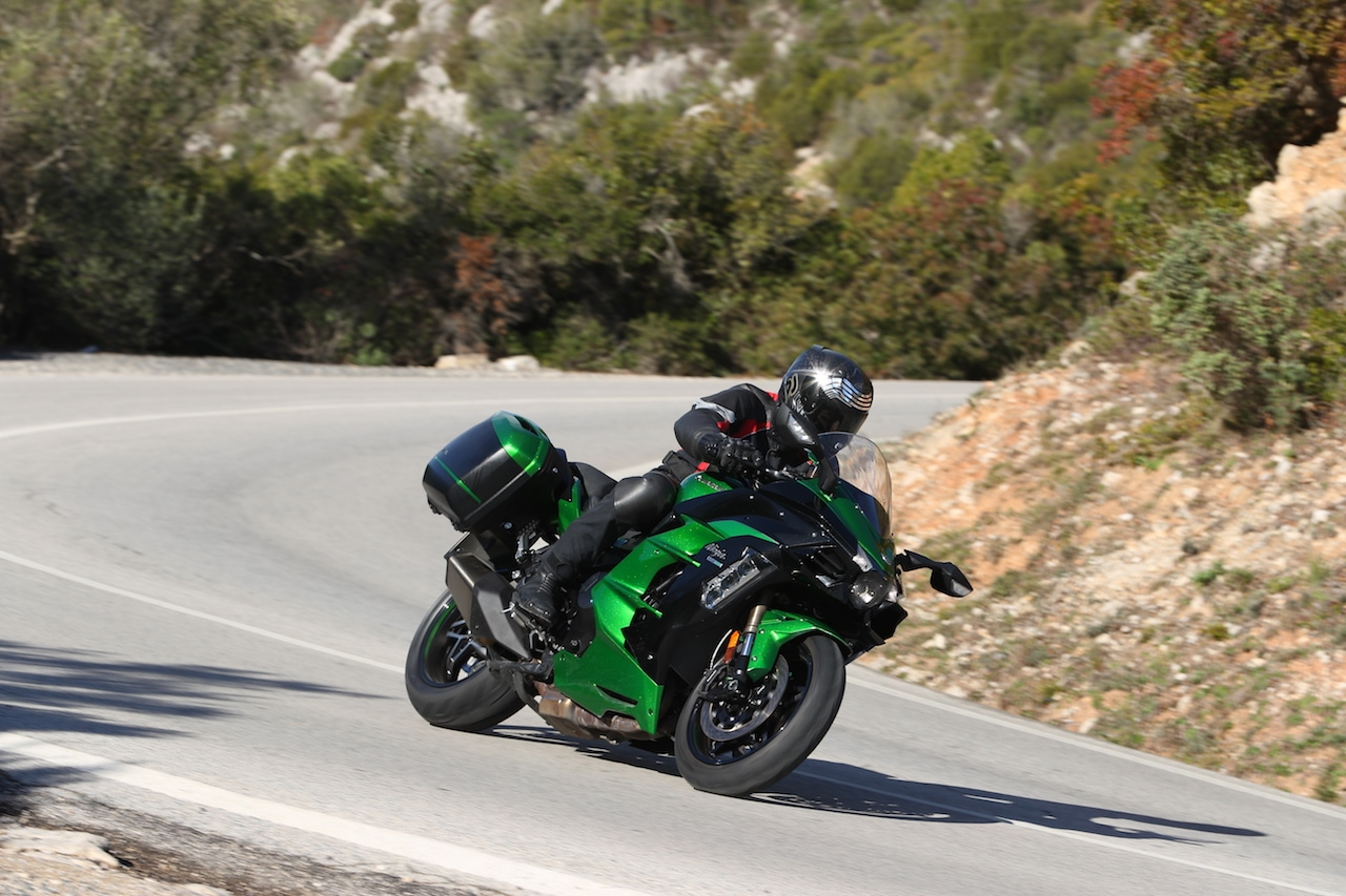 KAWASAKI H2 SX – QUICKLY AT FULL BLAST - RISER | Biker Journal